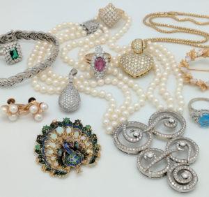 Tricks to Begin a Silver Jewellery Retailer