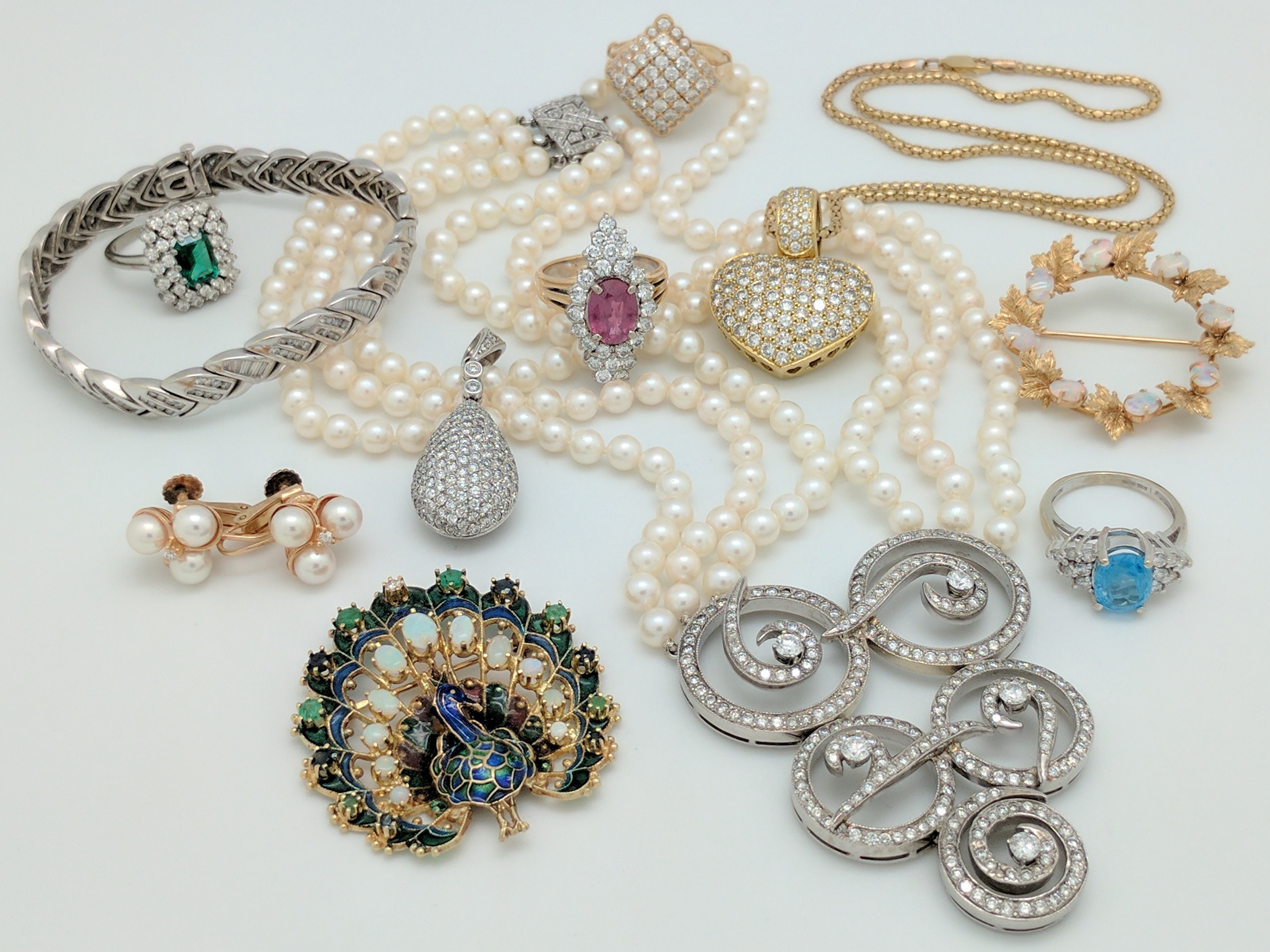 Tips to Start a Silver Jewelry Store